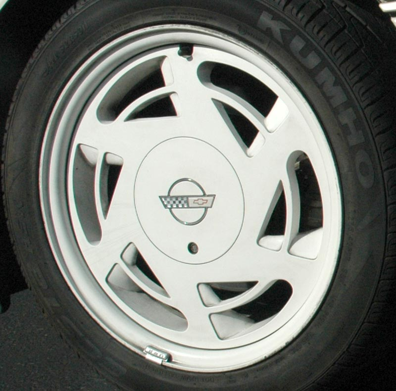 1988 Chevrolet Corvette 35th Anniversary Edition Wheel