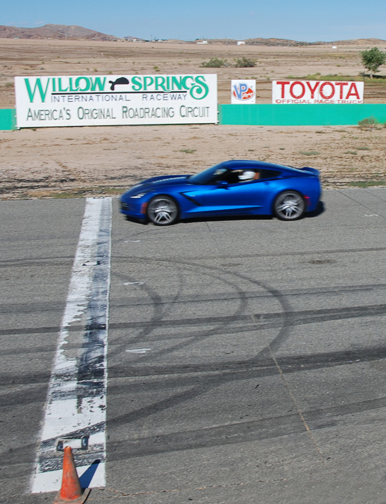 2016 Chevrolet Corvette w/Z51 in Laguna Blue Tintcoat At Willow Springs International Raceway